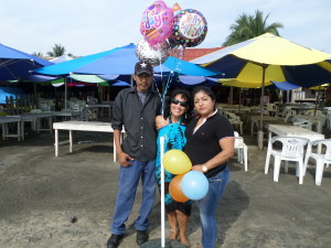 The wonderful birthday balloons given to my by the owner of the palapa  Jacqueline of the Ramada La Jaiba & our waiter,GRACIAS :)