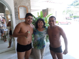 Debbie and 2 of the famous Cliff Diver's in Acapulco that put on amazing show and where many famous people have come to see them for many years